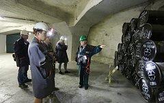 Stovky zájemců o ukládání radioaktivních odpadů přišlo v sobotu do uložiště Richard v Litoměřicích. Ti, kteří se zaregistrovali mohli podívat jak to v uložišti vypadá a jestli je věnována dostateční péče o bezpečnost obyvatel.