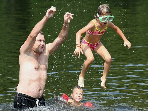 U jezera v Píšťanech...