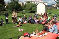 Nedělní akci doplnilo společné bubnování.