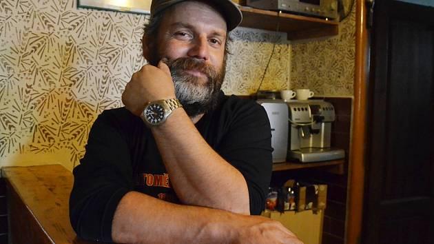 Michal Hanzl z Litoměřic, zakladatel a dlouhých 23 let pořadatel Litoměřického kořene, Festivalu na břehu Labe