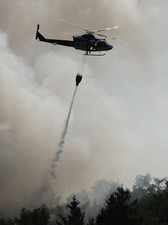 Boj s požárem na Lovosicku. Středa 4. července
