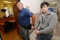 Okresní soud v pondělí rozhodl o 23letém cizinci obžalovaném z pokusu o znásilnění a z loupeže, muž se na místě odvolal.