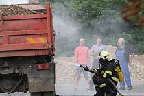 Požár nákladního vozu v Terezíně 4.srpna 2016