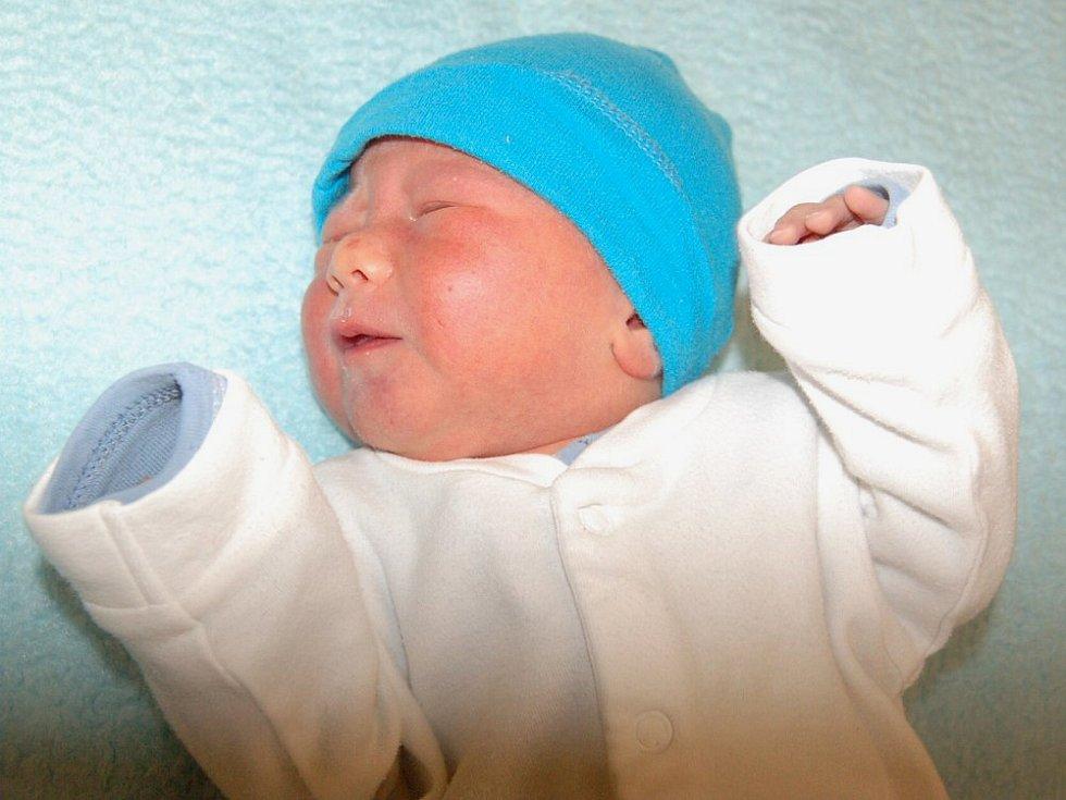 Lence Millerové a Štěpánovi Kühnovi z Litoměřic se 19.1. v 1 .37 hodin narodil v Litoměřicích syn Vít Kühn (2,64 kg a 47 cm).