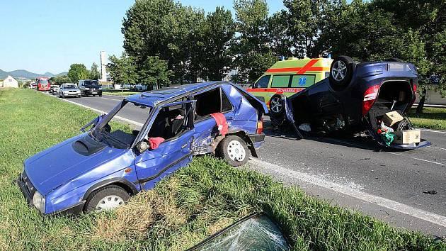 Nehoda u Lovochemie na silnici ve směru na Litoměřice - středa 23. června ráno.