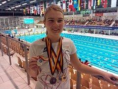 MEDAILE. Nicole Fryčová z ČAC Roudnice získala na mistrovství Německa šest cenných kovů a probojovala se na světový šampionát.