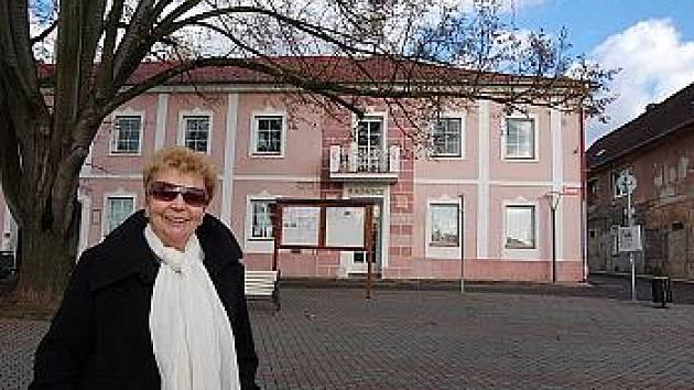 ANNA PODPĚROVÁ působí ve vedení Hoštky již dvacet let.