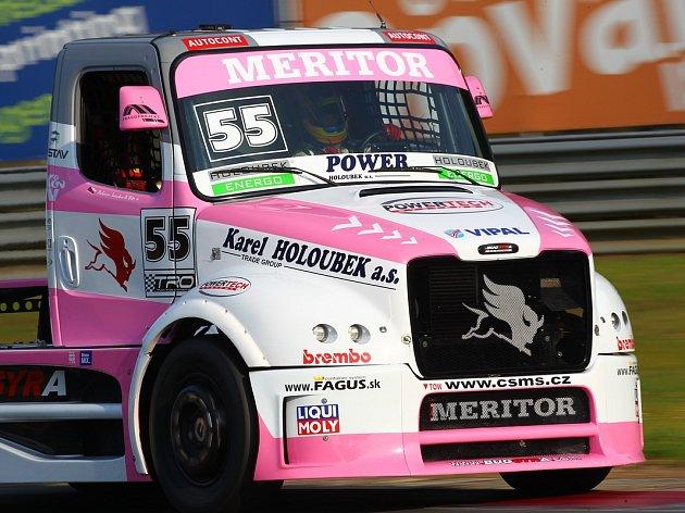 Lacko byl na růžové Buggyře nejrychlejší, Vršecký se trápil.