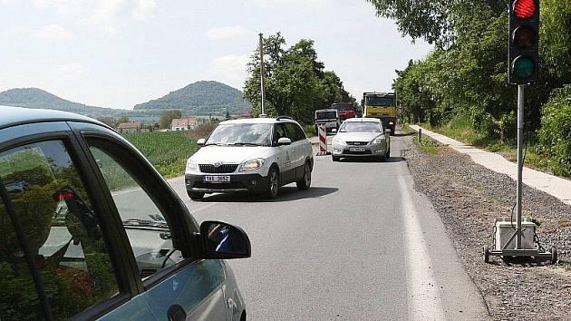 Dopravní situace u Vchynic, pondělí 23. 5. 2011.
