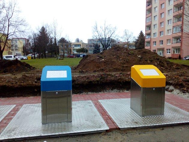 Podzemní kontejnery v Družstevní ulici na sídlišti Cihelna v Litoměřicích.