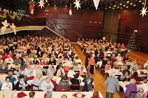Adventního posezení se zúčastnilo pět stovek seniorů