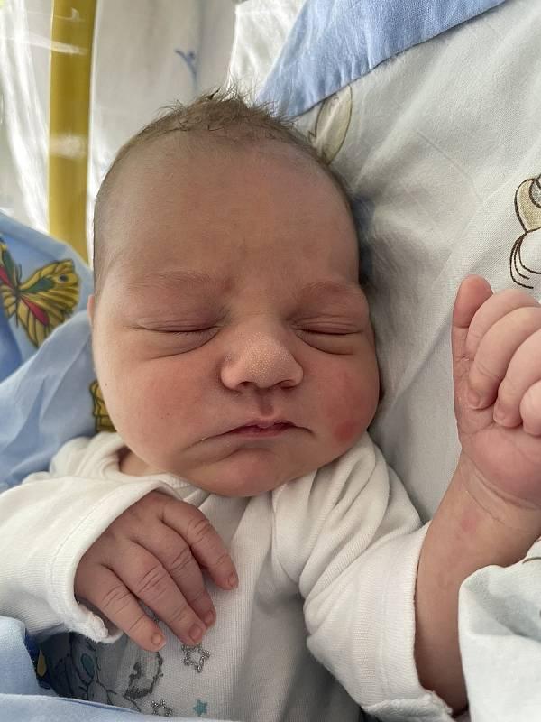 Mamince Zdeňce Hrubé se ve čtvrtek 9. září v 19:30 hodin narodil syn Michal Pém. Měřil 49 cm a vážil 3,33 kg.