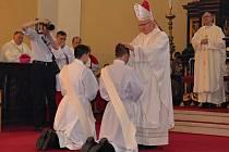 Litoměřický biskup Jan Baxant vysvětil dva kněze