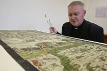 Narozeniny Klaudyánovy mapy oslaví dnes vědci a školáci na Hradě. Podívat se na ni můžete v archivu.