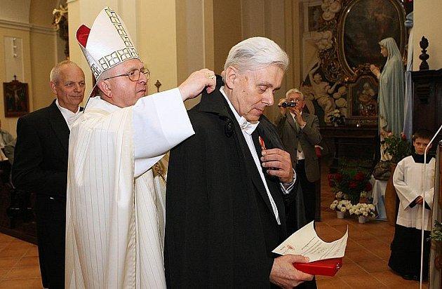 Předání papežských řádů v Litoměřicích