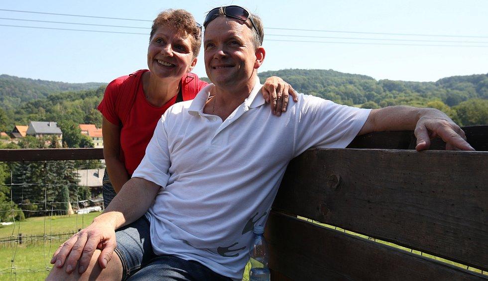 Protagonista filmu Páni kluci Michal Dymek a tehdy asistent režie Zdeněk Zelenka, se sešli u příležitosti 45. výročí od natočení legendárního filmu Páni kluci v Zubrnické muzeální železnici.
