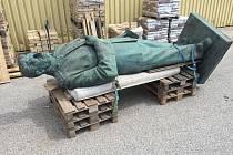 Socha z Litoměřic se v aukci draží za milion korun.