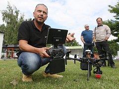 Součástí GIS Outdoor Fora na Zahradě Čech v Litoměřicích byly i ukázky dronů, které se používají i pro kartografické účely.
