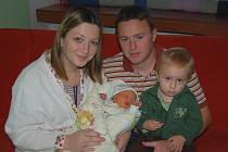 Simoně a Luboši Tydlitátovým z Martiněvsi se 2.11. v 10.40 hodin  narodil v litoměřické porodnici syn Pavel Tydlitát (52 cm, 3,96).  Na snímku i s bratrem Petrem.