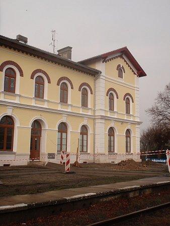 Nádraží vPloskovicích prochází opravou