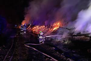 Požár u vísky Leská poblíž Třebívlic