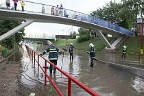 Silný přívalový déšť, který se okresem přehnal v pátek po sedmnácté hodině způsobil problémy v Lovosicích.