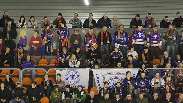 Play out: Stadion - Šumperk.