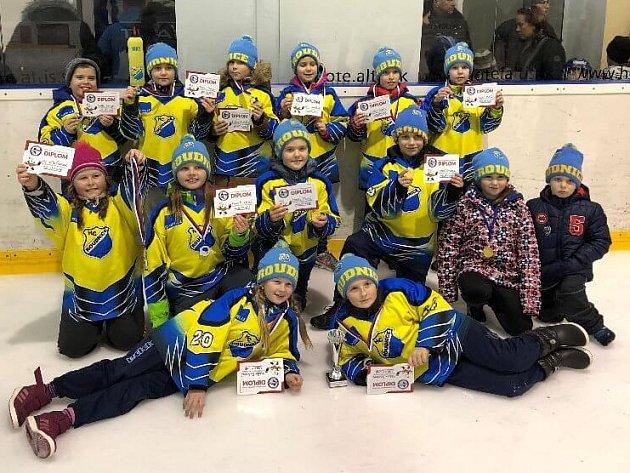 Hokejové naděje HC Roudnice v Nitře.