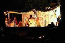 Čtvrteční koncert u jezera v Píšťanech