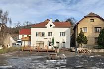 Rekonstrukce domu v obci Malíč na Litoměřicku.