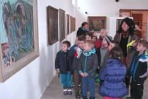 SPONTÁNNÍ jsou prakticky všechny návštěvy těch nejmenších návštěvníků roudnické Galerie moderního umění. Nyní je to především při moderní videoprodukci Pavla Mrkuse.