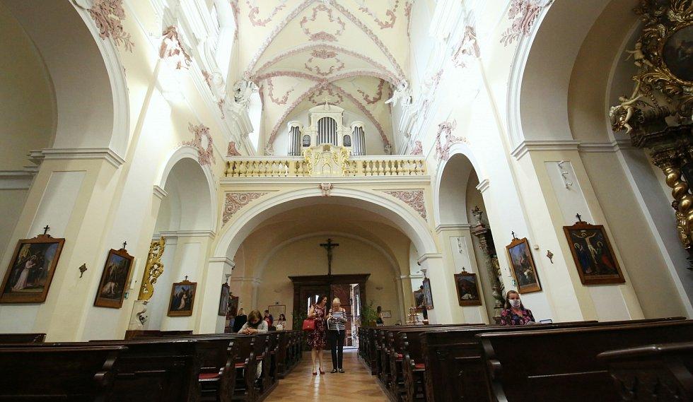 Noc kostelů v Litoměřicích v kostele sv. Ludmily, jezuitském kostele a kostele Všech svatých na Mírovém náměstí.