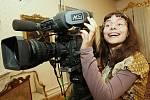 Ošklivka Katka si vyzkoušela v Ploskovicích i natáčení kamerou.