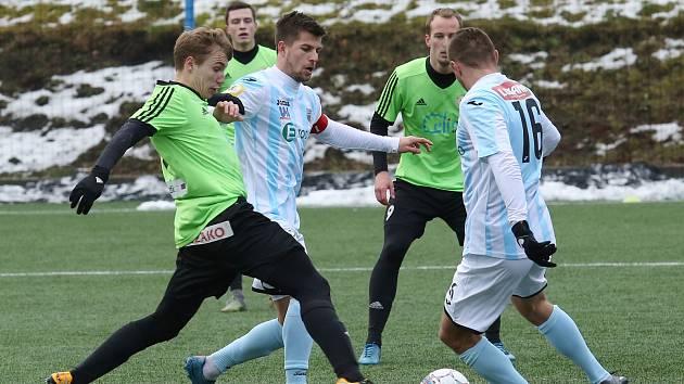 Fotbalová příprava: FK Ústí (v bílomodrém) - FK Litoměřicko