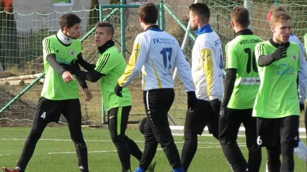 Přípravný duel Litoměřicko (ve žlutém) - Neratovice / Byškovice.