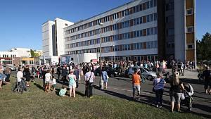Na další demonstraci proti prodeji nemocnice dorazil i ministr zdravotnictví