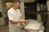 Jiří Tůma z lovosické rodinné pekárny John peče chléb téměř dvacet let