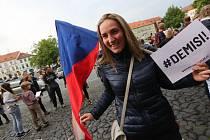 Proti Babišovi a spol. demonstrovaly na Litoměřicku stovky lidí.