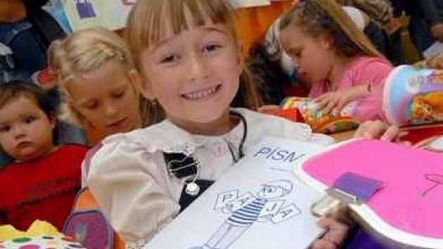 Do Základní školy Sady pionýrů v Lovosicích dnes poprvé přišla i Anička