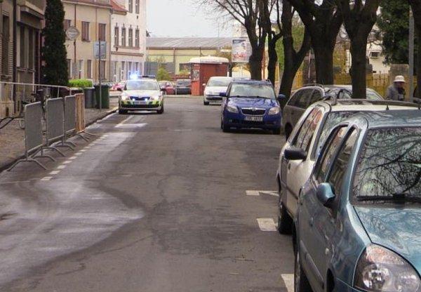 Čištění ulic vRoudnici znesnadňují bezohlední řidiči.