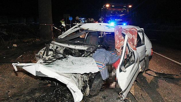 Tragická nehoda mezi Lovosicemi a Třebenicemi.