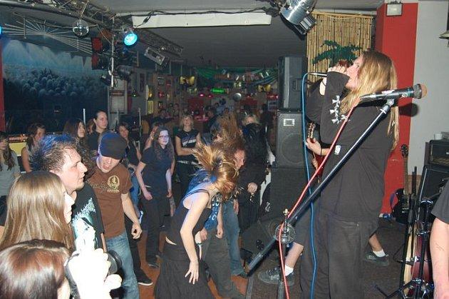 Křest kapely Bleeding Entrails v Progressive klubu.