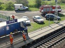 Nákladní vlaku srazil a usmrtil starší ženu na železniční zastávce Hrdly.