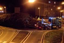 Vánoční strom pro Prahu projel Litoměřicemi