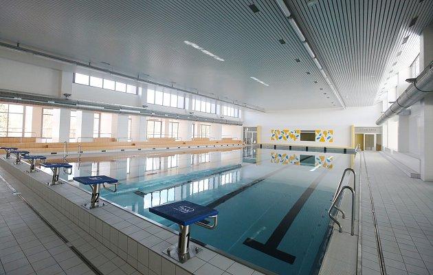 Zrekonstruovaný krytý bazén v Roudnici nad Labem.