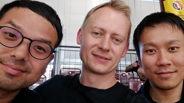 Jan Šotnar (uprostřed) v Chemnitzu