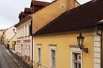 Objekt někdejší Lidové školy umění v litoměřické Jarošově ulici, vpravo je přístavek, kde býval sál.