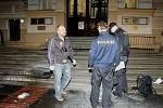 Kolem půl šesté odpoledne se pokusil upálit muž na schodech Okresního soudu Litoměřice
