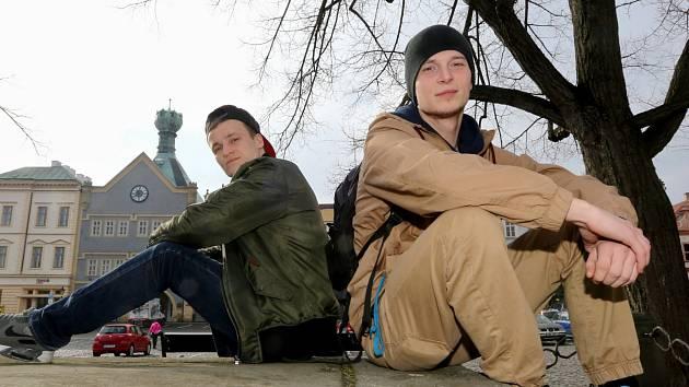 Tanečníci z Break dance Litoměřice Pavel Hajduch a Pavel Zajíček