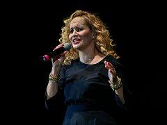Na první absolventský ples litoměřického gymnázia dorazí i populární zpěvačka Monika Absolonová.